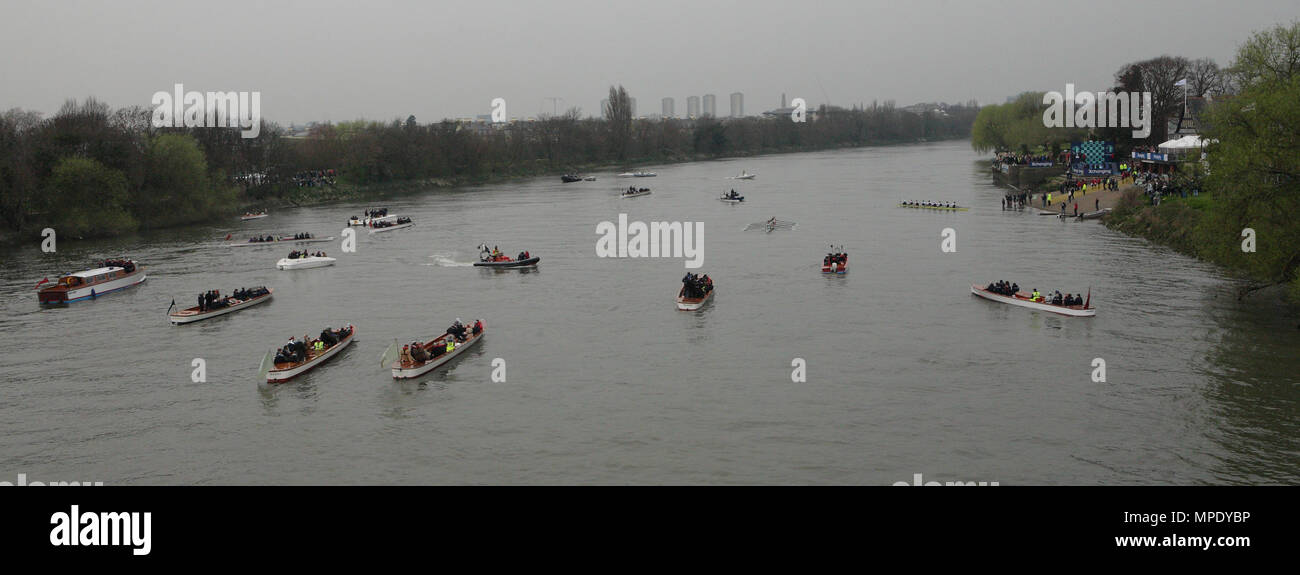 The Xchanging Boat Race, Oxford vs Cambridge University, the Thames River, London, UK. 26 March 2011 - Stock Image