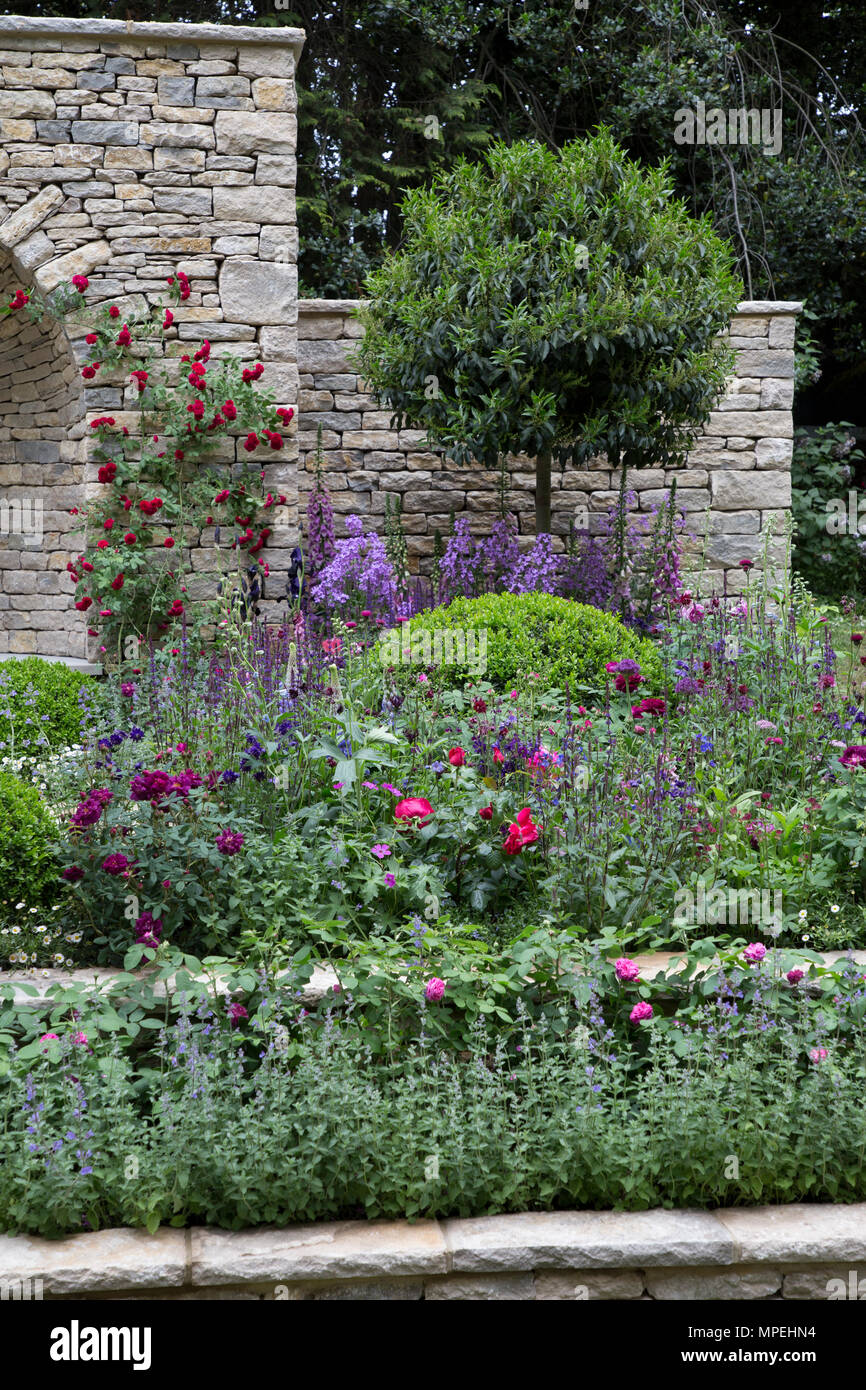 The Claims Guys: A Very English Garden. Designer: Janine Crimmins.  Contractor: Andrew Loudon. Sponsor: The Claims Guys