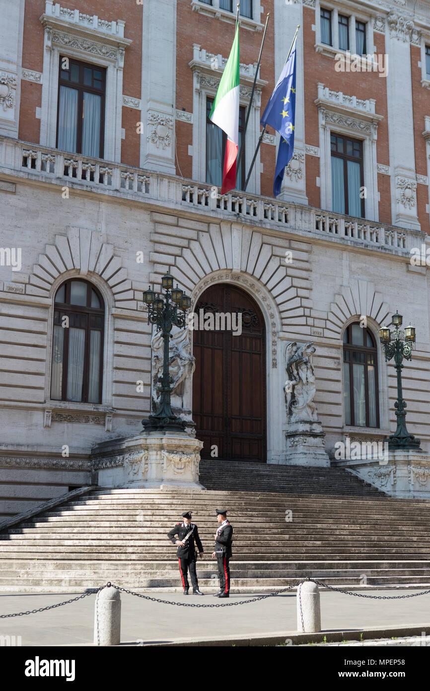 Italian parliament building stock photos italian for Parlamento montecitorio
