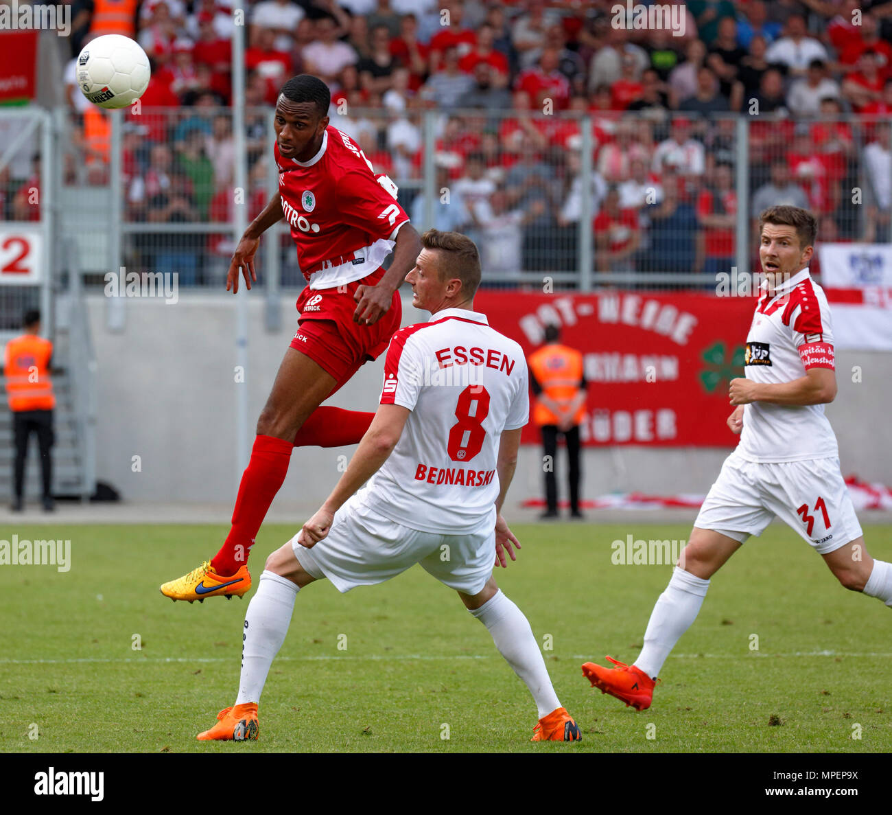sports, football, Lower Rhine Cup, 2017/2018, final, Rot-Weiss Oberhausen vs Rot Weiss Essen 2:1, Stadium Niederrhein Oberhausen, scene of the match, f.l.t.r. Yassin Ben Balla (RWO), Kamil Bednarski (RWE), team captain Benjamin Baier (RWE) - Stock Image