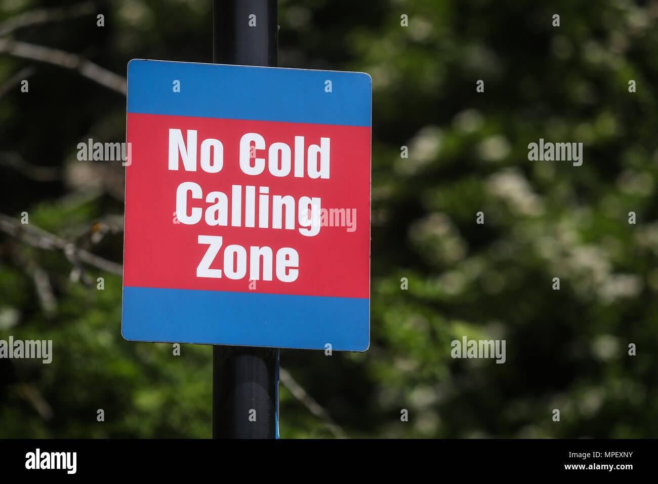 No Cold Calling sign in a residential area - Stock Image