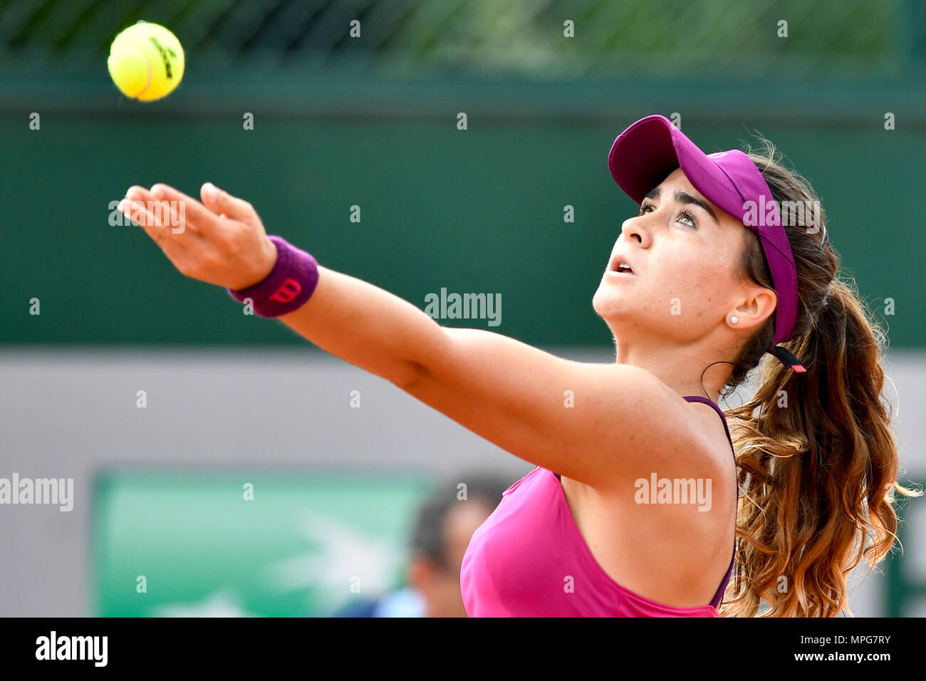 Paris. 23rd May, 2018. Gabriella Taylor of Britain serves to Lu Jingjing of China during the women's singles Qualification 1st round match of French Open in Paris, France on May 23, 2018. Gabriella Taylor won 2-0. Credit: Chen Yichen/Xinhua/Alamy Live News Stock Photo