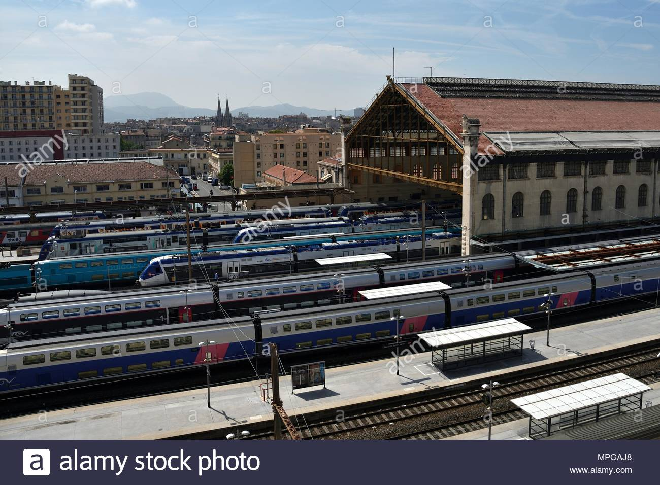 Marseille, France. 23rd May, 2018. A train station in Marseille, France is empty on May 23, 2018 as railway workers enter day 11 of their strike against France's state-owned SNCF rail company. Railway workers across the country are rejecting President Emmanuel Macron's planned overhaul of the railways in an internal ballot organized by labor unions. (c) copyright Credit: CrowdSpark/Alamy Live News - Stock Image