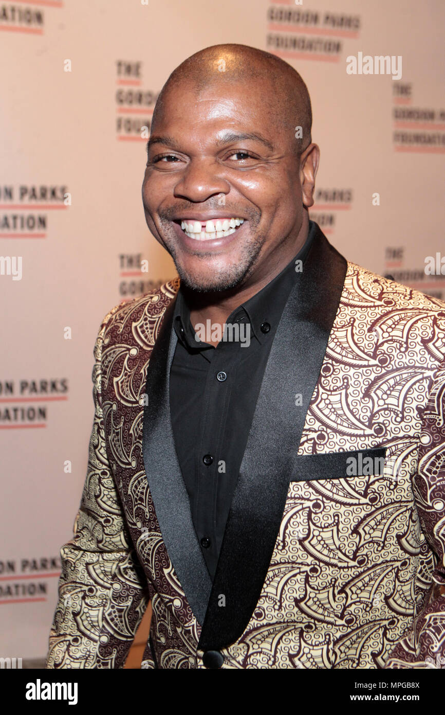 New York, NY, USA. 22nd May, 2018. Visual Artist Kehinde Wiley attends the Gordon Parks Foundation Awards Dinner & Auctionn: Celebrating the Arts & Humanitarianism held at Cipriani 42nd Street on May 22, 2018 in New York City. Credit: Mpi43/Media Punch/Alamy Live News - Stock Image