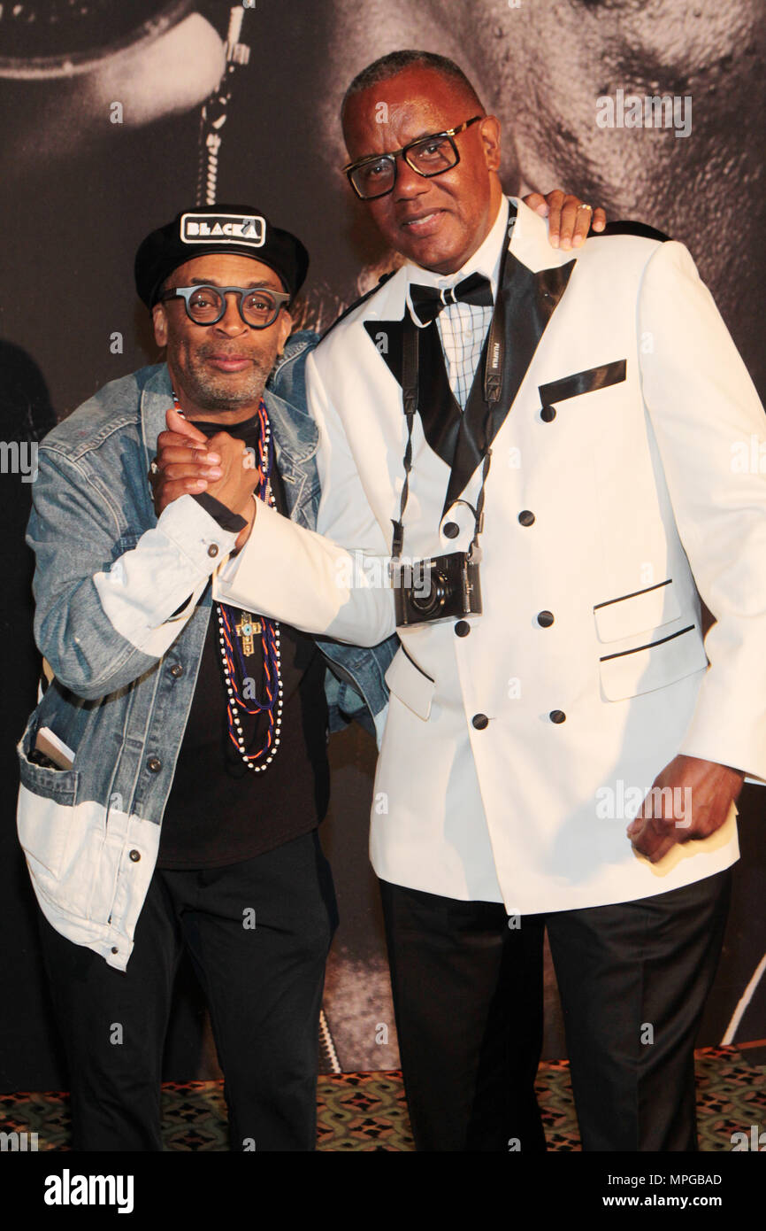 New York, NY, USA. 22nd May, 2018. (L-R) Director Spike Lee & Documentary Photographer Jamel Shabazz (Honoree) attends the Gordon Parks Foundation Awards Dinner & Auctionn: Celebrating the Arts & Humanitarianism held at Cipriani 42nd Street on May 22, 2018 in New York City. Credit: Mpi43/Media Punch/Alamy Live News - Stock Image