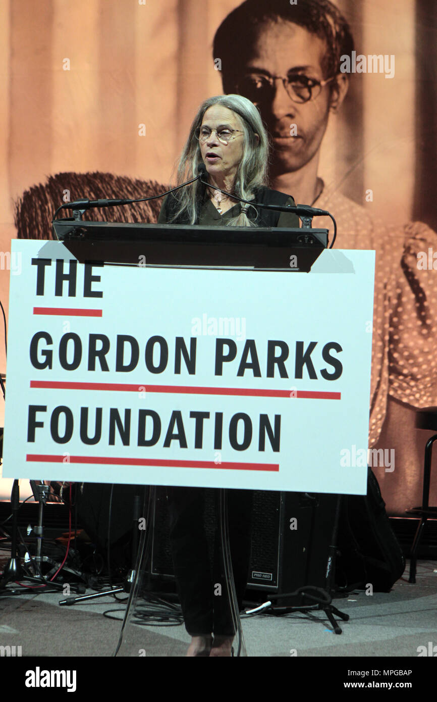 New York, NY, USA. 22nd May, 2018. Photographer Sally Mann attends the Gordon Parks Foundation Awards Dinner & Auctionn: Celebrating the Arts & Humanitarianism held at Cipriani 42nd Street on May 22, 2018 in New York City. Credit: Mpi43/Media Punch/Alamy Live News - Stock Image