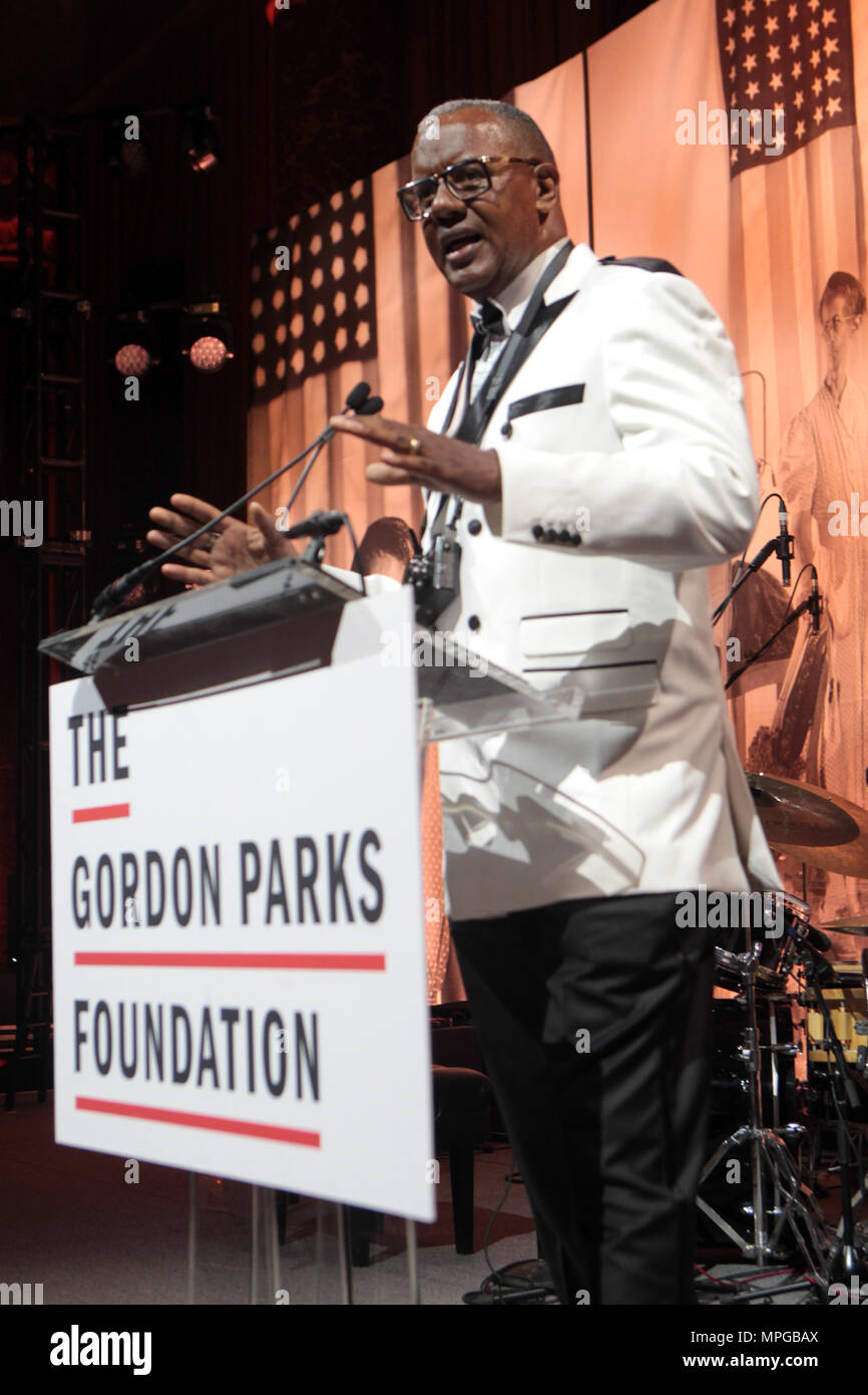 New York, NY, USA. 22nd May, 2018. Documentary Photographer Jamel Shabazz (Honoree) attends the Gordon Parks Foundation Awards Dinner & Auctionn: Celebrating the Arts & Humanitarianism held at Cipriani 42nd Street on May 22, 2018 in New York City. Credit: Mpi43/Media Punch/Alamy Live News - Stock Image
