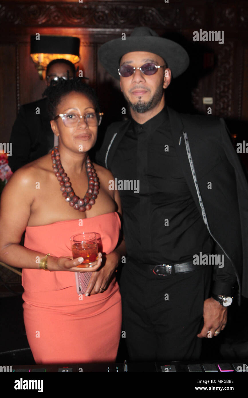 New York, NY, USA. 22nd May, 2018. (L-R) Chef Leslie Parks and Kazeem Dean aka Swizz Beatz attend the Gordon Parks Foundation Awards Dinner & Auctionn: Celebrating the Arts & Humanitarianism held at Cipriani 42nd Street on May 22, 2018 in New York City. Credit: Mpi43/Media Punch/Alamy Live News - Stock Image