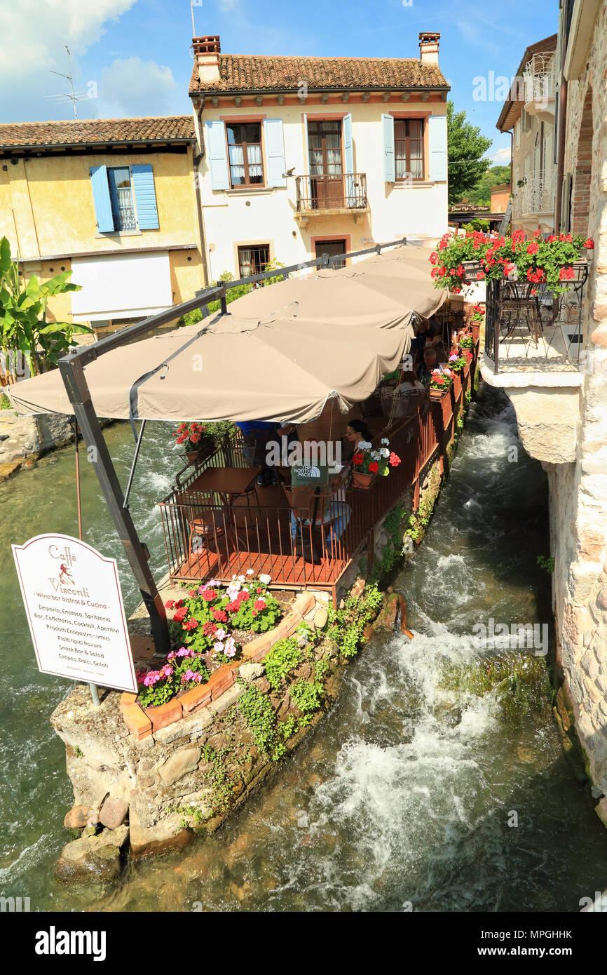 Caffè Visconti, Borghetto di Valeggio sul Mincio - Stock Image