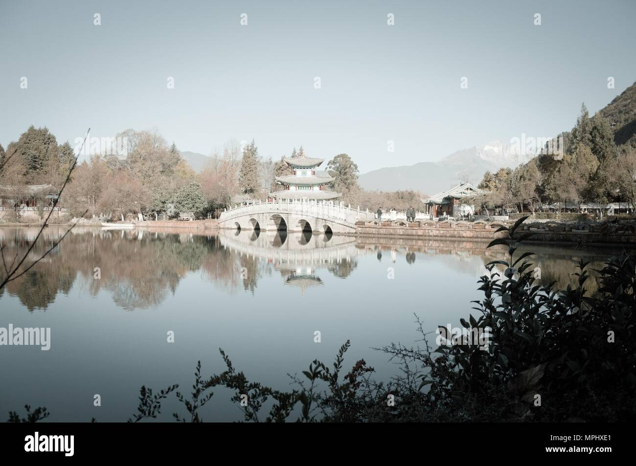 Black Dragon Pool (Old Town of Lijiang, Yunnan, China) - Stock Image