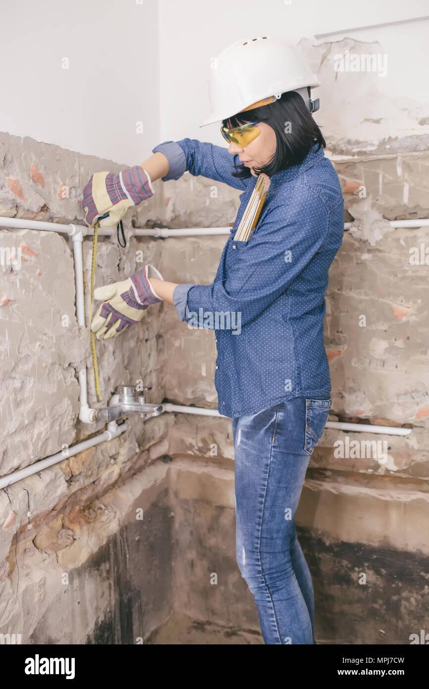 Installing Bathroom Stock Photos & Installing Bathroom Stock Images ...