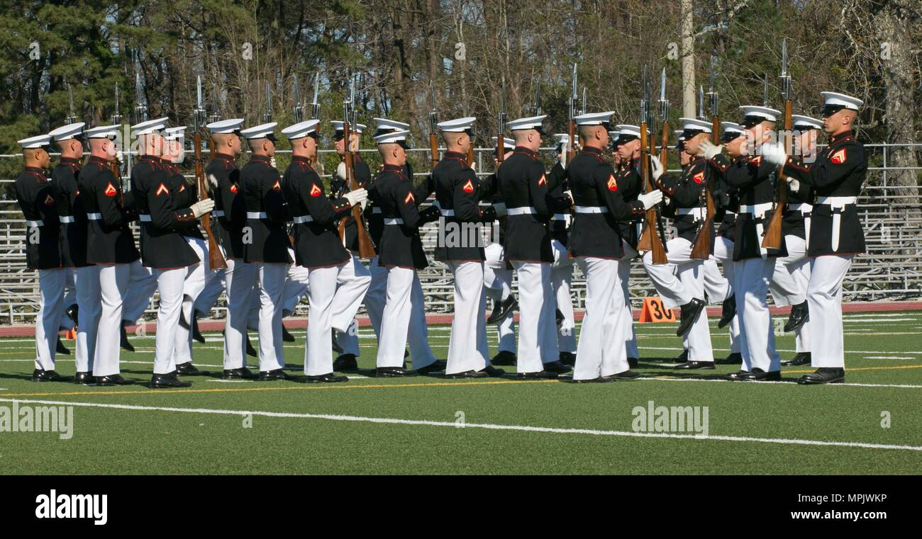 the u s marine corps silent drill platoon marine barracks rh alamy com Marine Presidential Guard What Marines Are the Colors