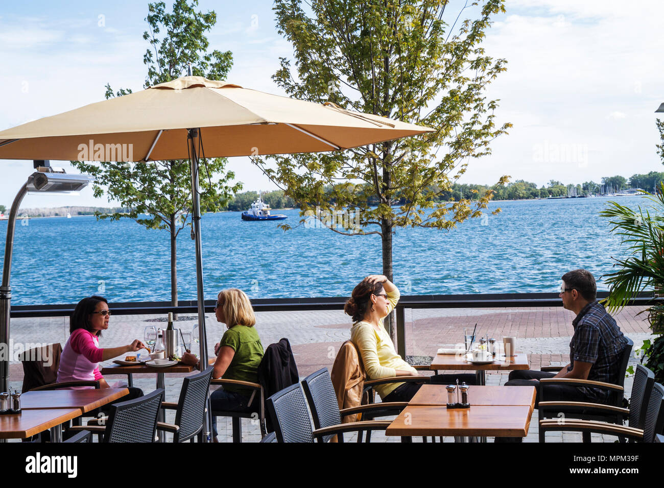 Alfresco Dining Harbourfront
