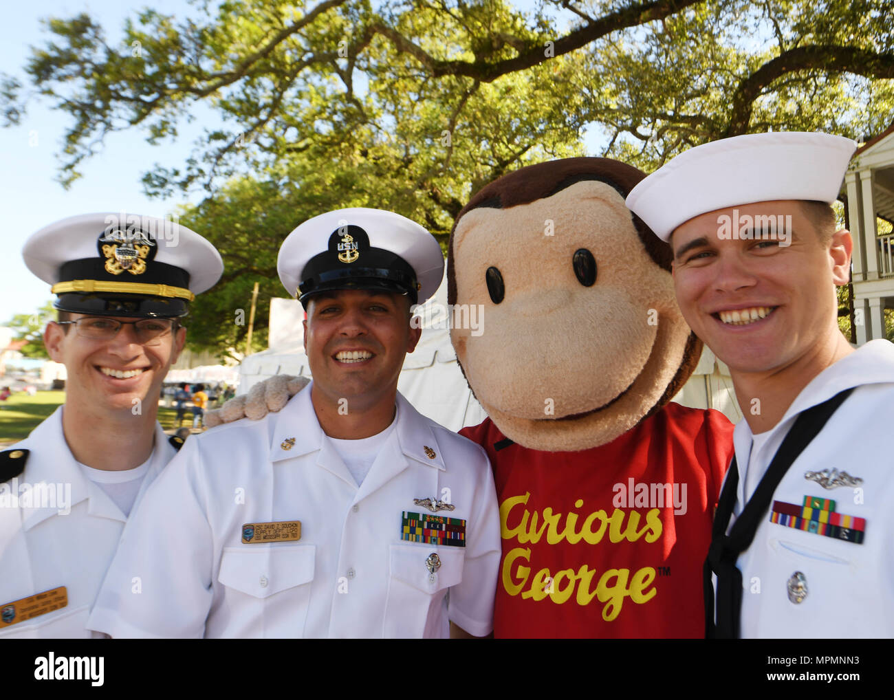 170401-N-LQ926-008 BILOXI, Miss. (April 1, 2017) Sailors from the Virginia-class fast-attack submarine USS Mississippi (SSN 782) pose for a photo during the Mississippi Bicentennial/Navy Week celebration at Centennial Plaza Gulfport, Mississippi. Gulfport/Biloxi is one of select regions to host a 2017 Navy Week, a week dedicated to raise U.S. Navy awareness in through local outreach, community service and exhibitions. (U.S. Navy photo by Mass Communication Specialist 2nd Class Alex Van'tLeven/Released) Stock Photo