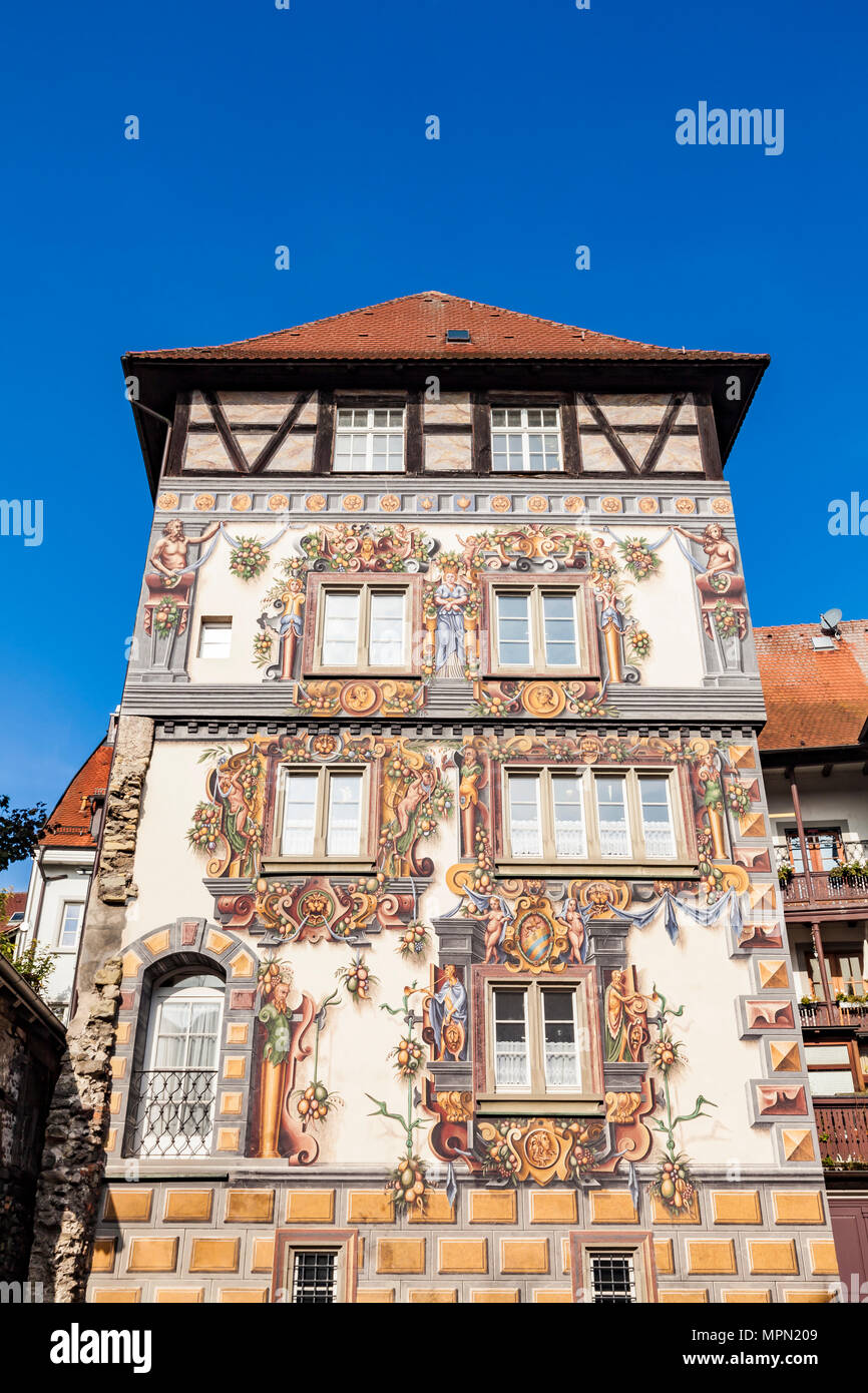 Germany, Baden-Wuerttemberg, Constance, Middle Ages tower house Zum Goldenen Loewen - Stock Image