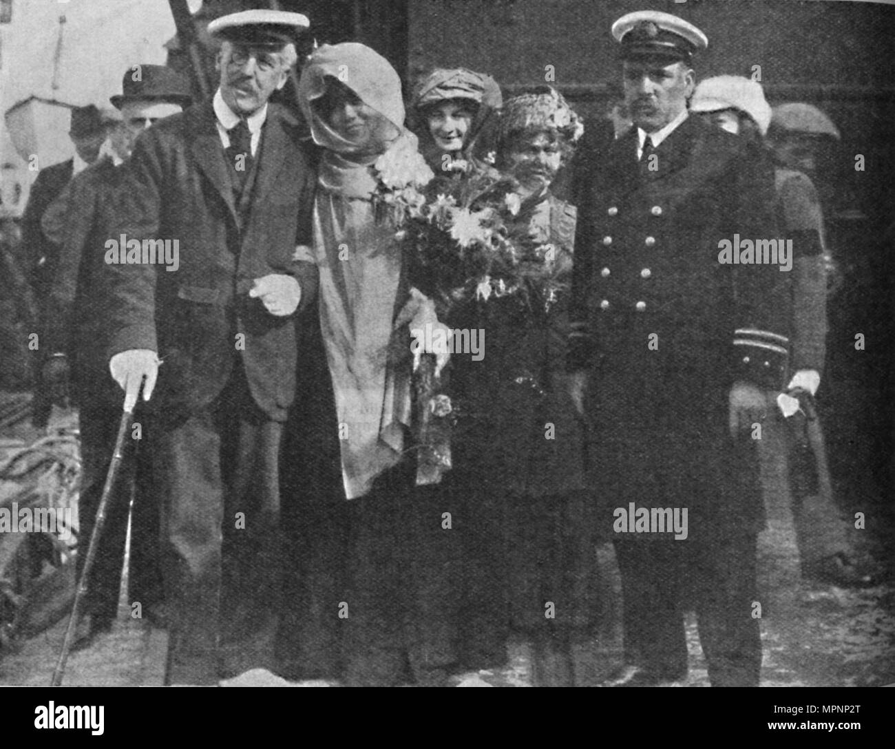 'Sir Squire Bancroft and Madame Sarah Bernhardt', c1925. Artist: Unknown. - Stock Image