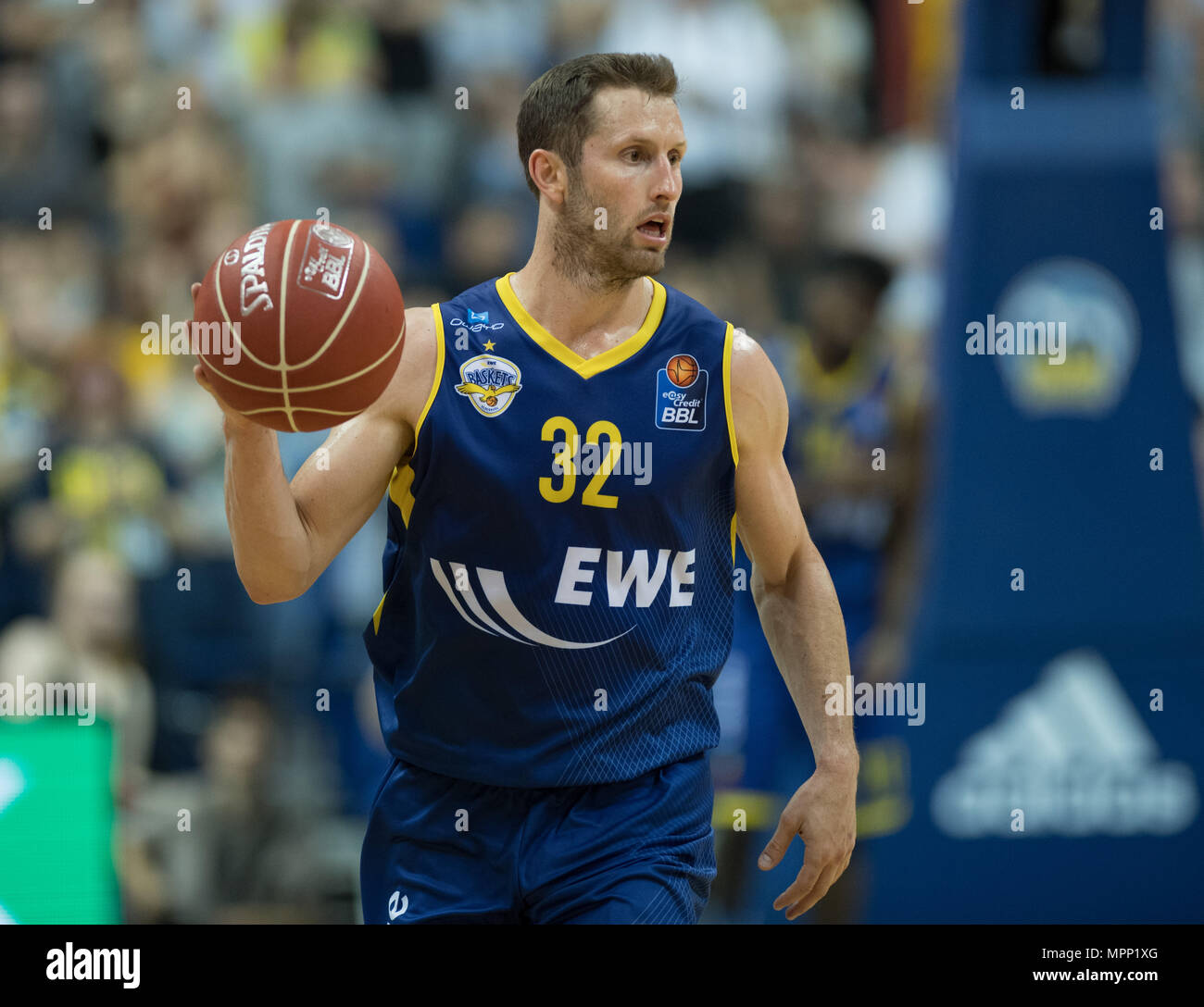 17 May 2018, Germany, Berlin: Bundesliga, quarter-final, ALBA Berlin vs. EWE Baskets Oldenburg in the Mercedes-Benz arena. Oldenburg's Mickey McConnell. Photo: Soeren Stache/dpa - Stock Image