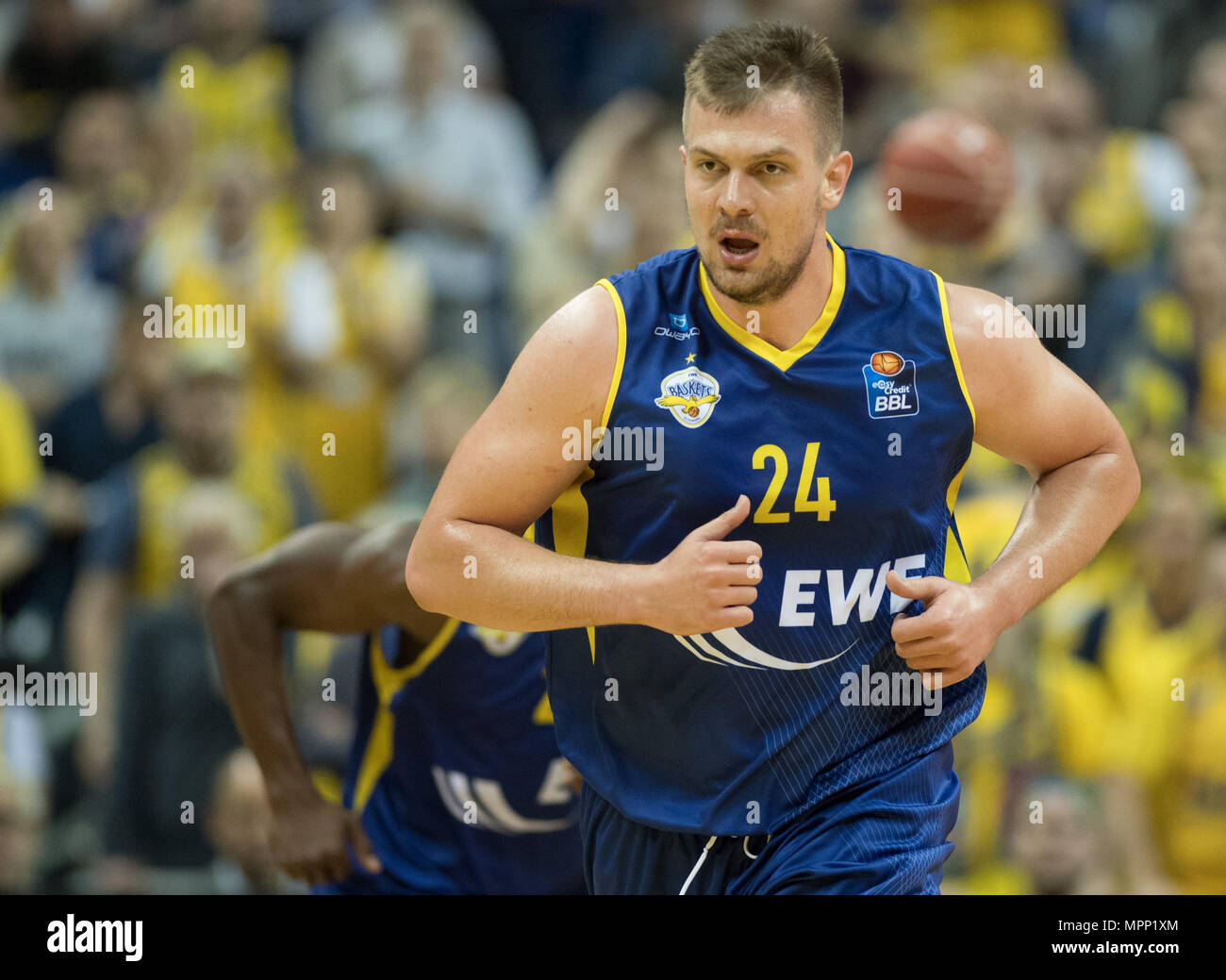 17 May 2018, Germany, Berlin: Bundesliga, quarter-final, ALBA Berlin vs. EWE Baskets Oldenburg in the Mercedes-Benz arena. Oldenburg's Rasid Mahalbasic. Photo: Soeren Stache/dpa - Stock Image