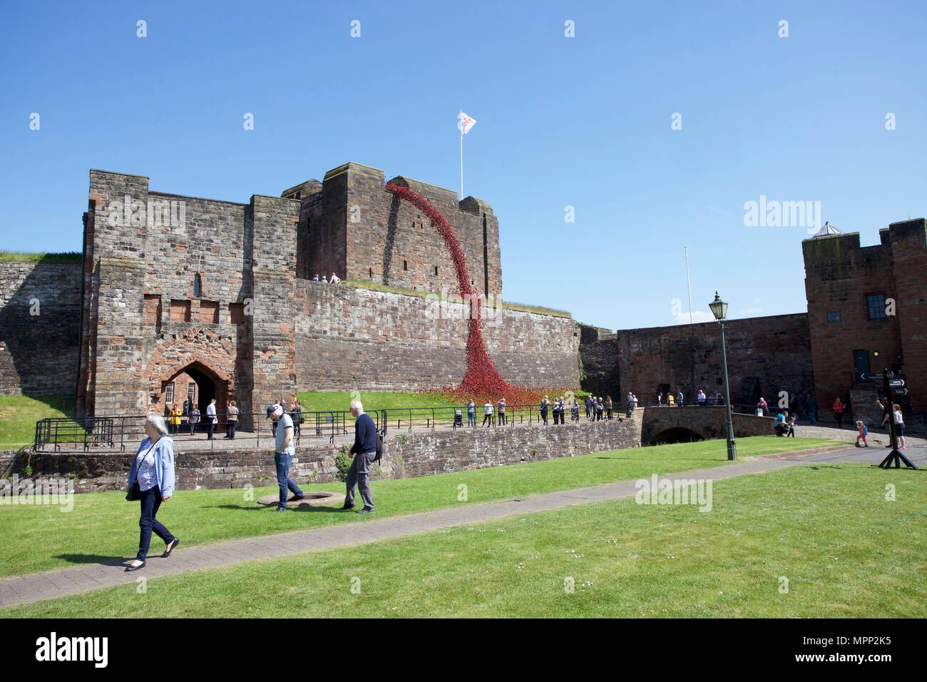 Carlisle Castle, Carlisle Cumbria, UK. 23rd, May, 2018. Weeping Window of  ceramic poppies art installation at Carlisle Castle. The project commemorates the First World War and is by artist Paul Cummins and designer Tom Piper. Part of Blood Swept Lands and Seas of Red installation. Credit: Andrew Findlay/Alamy Live News Stock Photo