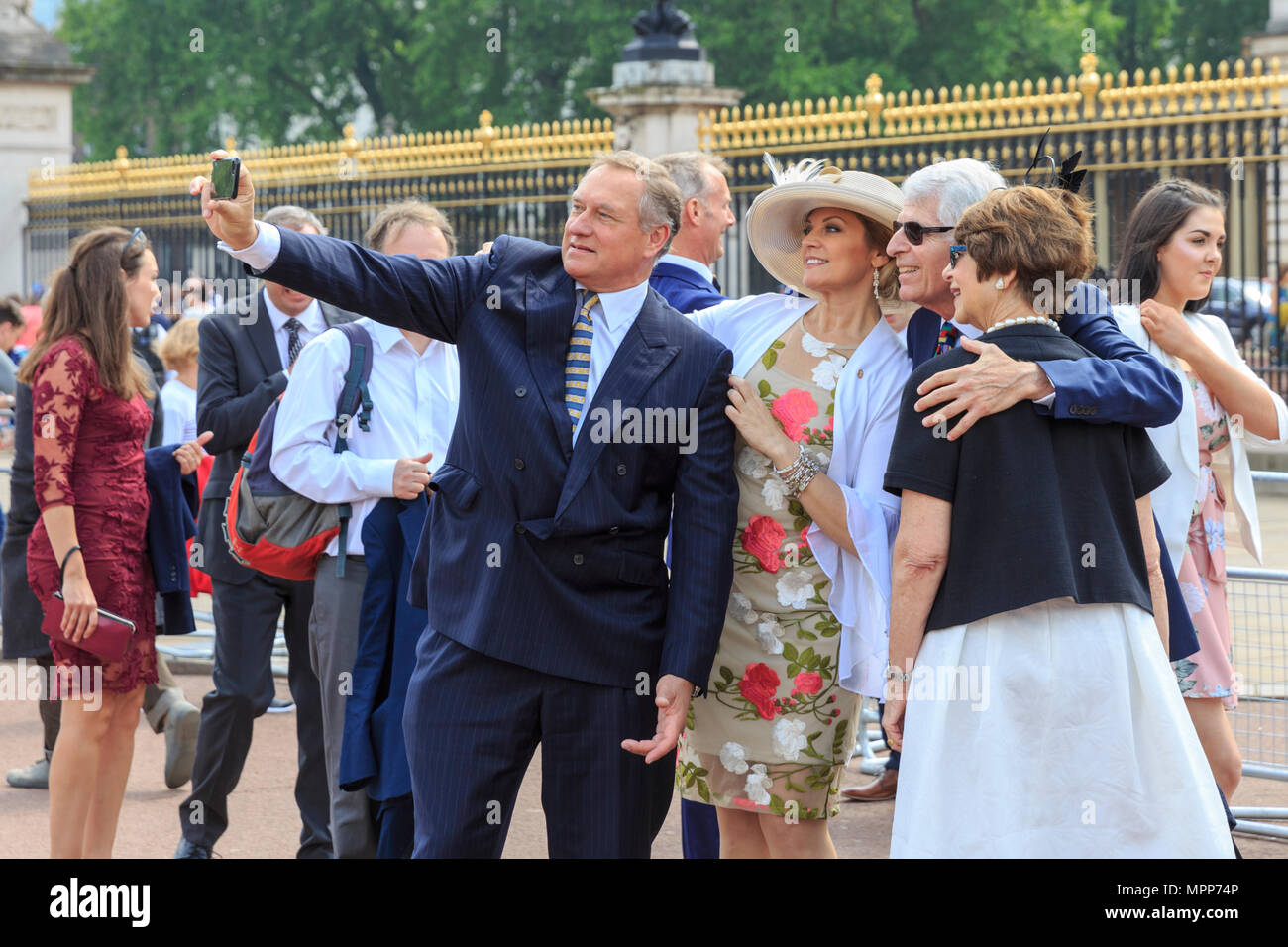 Buckingham Palace, London, 24th May 2018  A selfie before