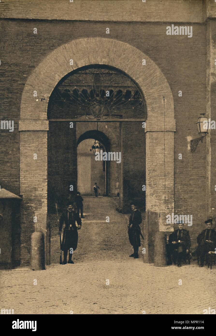 'Roma - Entrance to the Vatican Palace', 1910. Artist: Unknown. - Stock Image