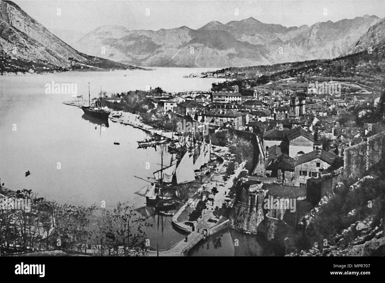 'The Harbor of Mezzo', 1913. Artist: Unknown. - Stock Image
