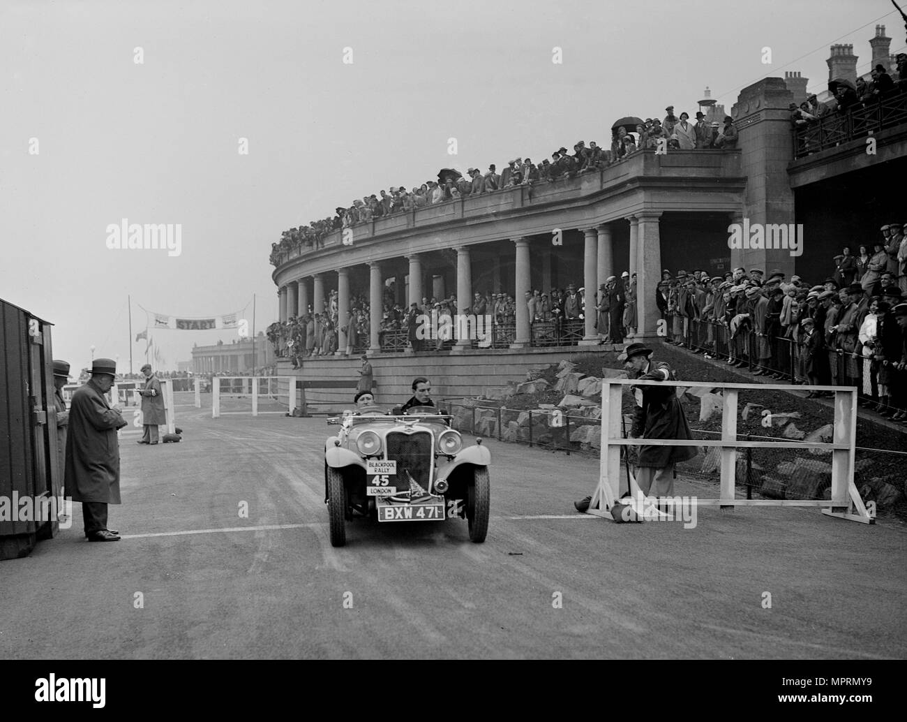 Singer of DE Harris competing in the Blackpool Rally, 1936. Artist: Bill Brunell. - Stock Image