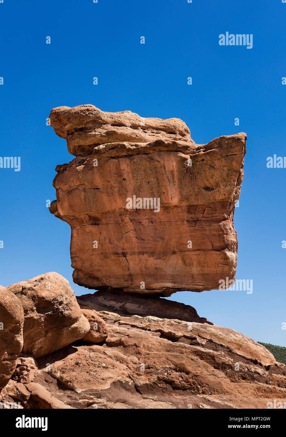 Balanced Rock, Garden Of The Gods, Colorado Springs, Colorado, USA. - Stock Image