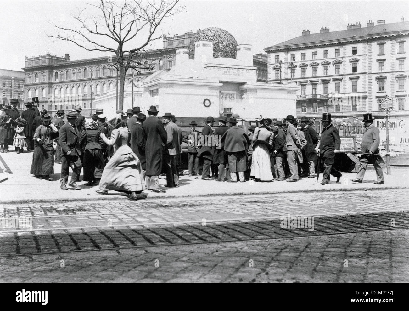 View of the Secession Exhibition Building from Gemüsemarkt, 1899. - Stock Image