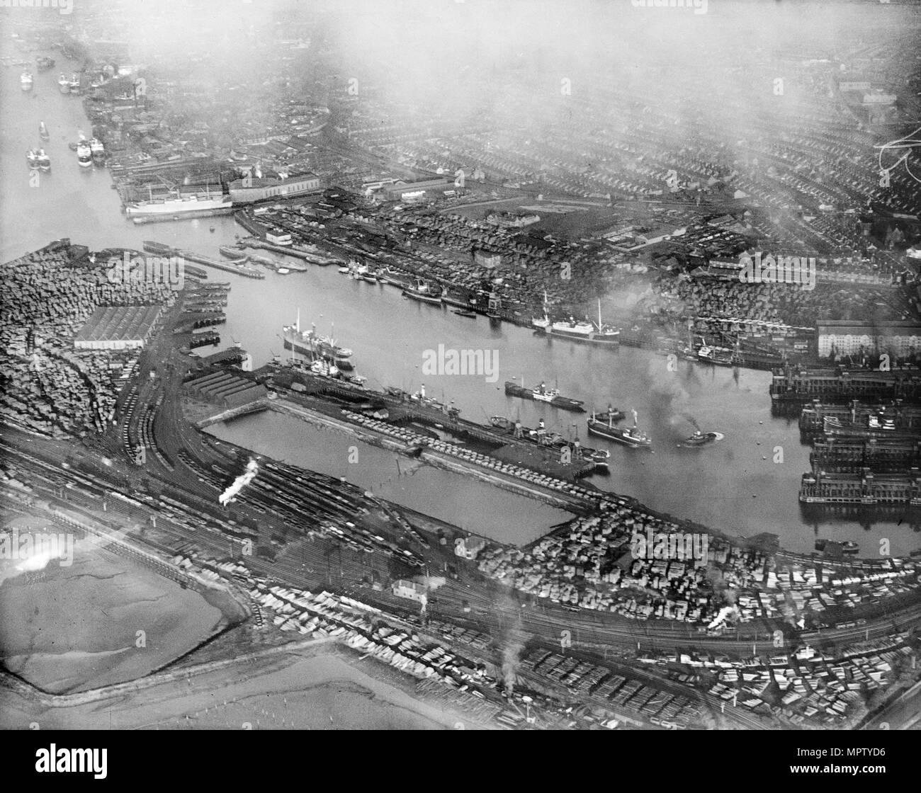 Tyne Dock, South Shields, South Tyneside, 1927. Artist: Aerofilms. - Stock Image
