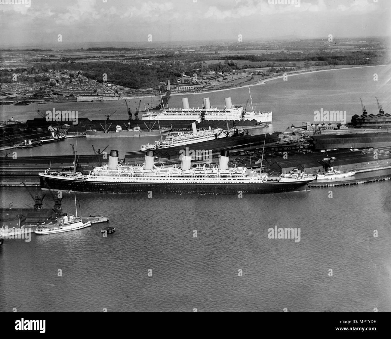 Rms Olympic: Transatlantic Steamship Stock Photos & Transatlantic