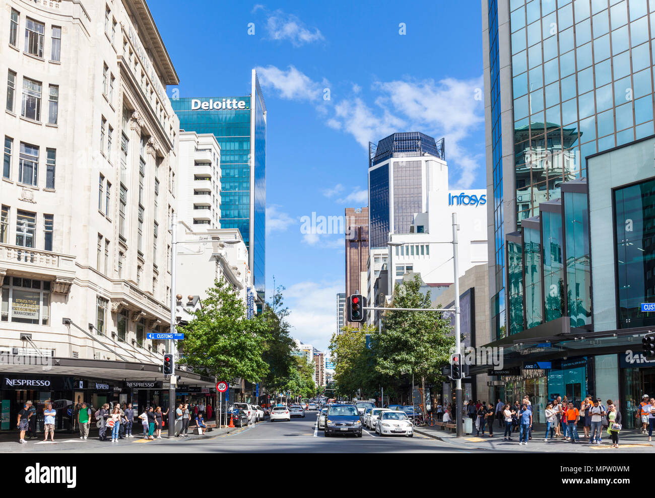 new zealand auckland new zealand traffic queued queen street shopping street city centre auckland north island new zealand - Stock Image