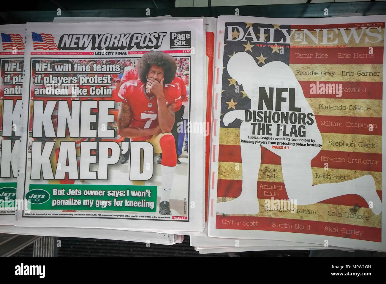 The New York Daily News and New York Post newspapers on Thursday, May 24, 2018 report on the NFL ruling that players must stand during the national anthem but are allowed to remain in the locker room if they do not wish to participate. The ruling is a compromise over some players 'taking a knee' during the anthem as a protest against racism and police brutality. (© Richard B. Levine) - Stock Image