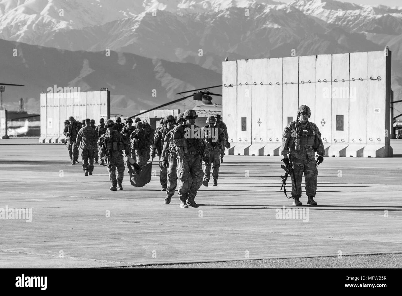 Soldiers of C Troop, 1st Squadron, 14th Cavalry Regiment, 1-2 Stryker Brigade Combat Team, conduct training and missions at Bagram Airfield, Afghanistan, April 1, 2017. Soldiers of C Troop were in Afghanistan in support of Operation Freedom Sentinel. (U.S. Army photo by Capt. Brian H. Harris) - Stock Image