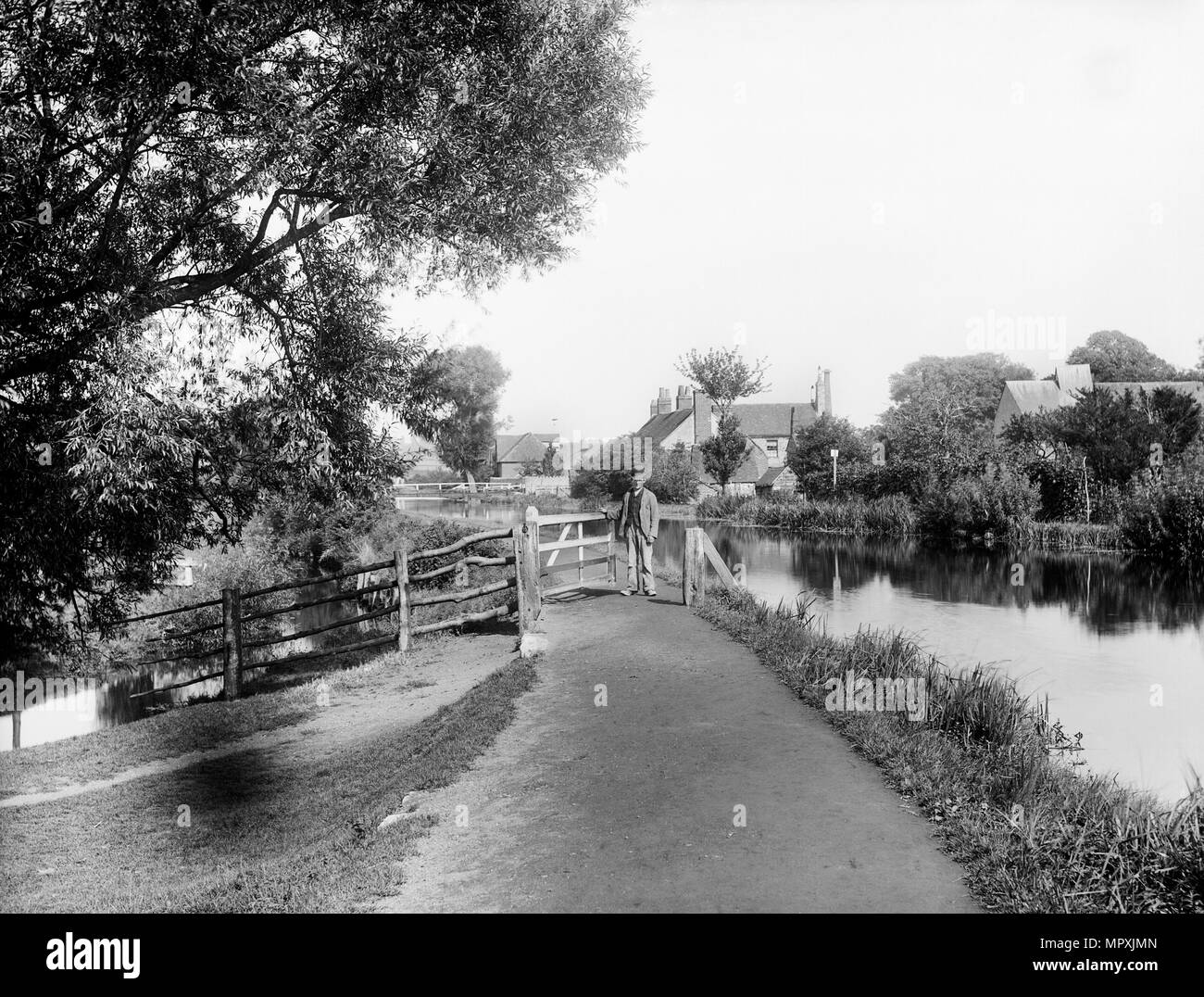 Towpath of the Kennet and Avon Canal, Greenham, near Newbury, Berkshire, 1890. Artist: Henry Taunt. - Stock Image