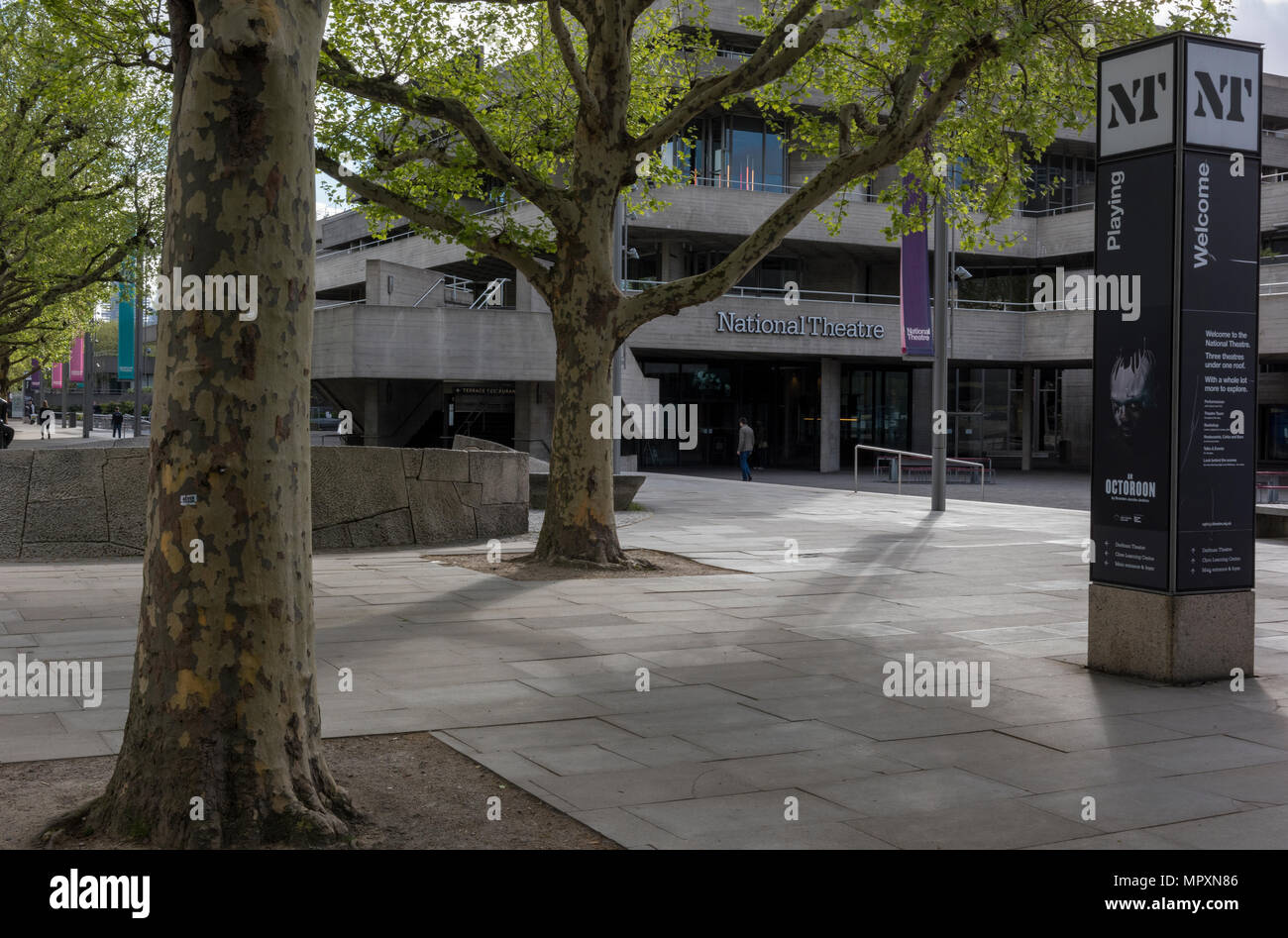 the national theatre building on south bank of the river thames in london. acting and actors plays and dramas at iconic landmark venues in  capital. - Stock Image