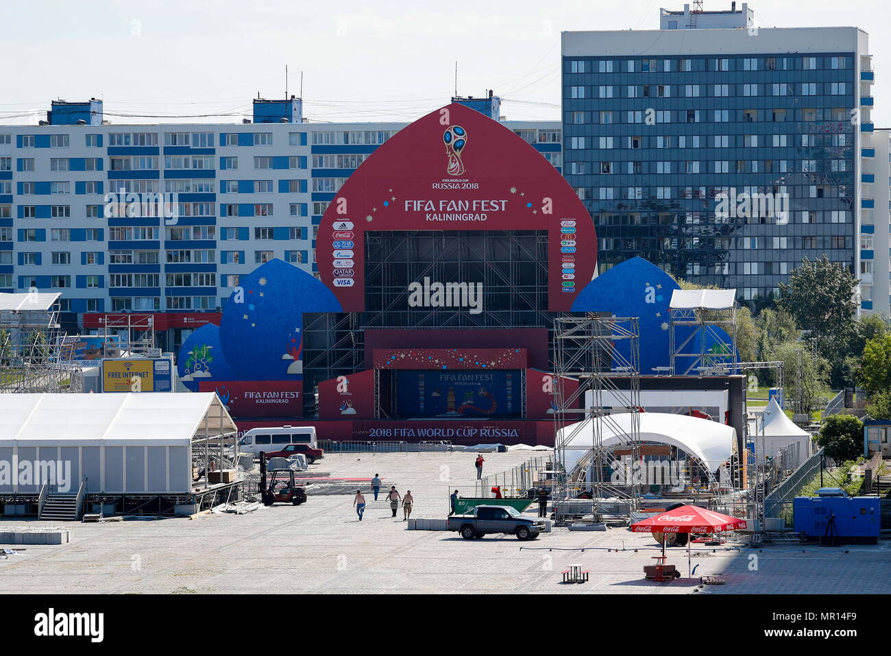 Kaliningrad, Russia. 25th May, 2018. KALININGRAD, RUSSIA - MAY 25, 2018: A FIFA Fan Fest zone is under construction in central Kaliningrad, ahead of the forthcoming FIFA World Cup Russia 2018. Vitaly Nevar/TASS Credit: ITAR-TASS News Agency/Alamy Live News - Stock Image
