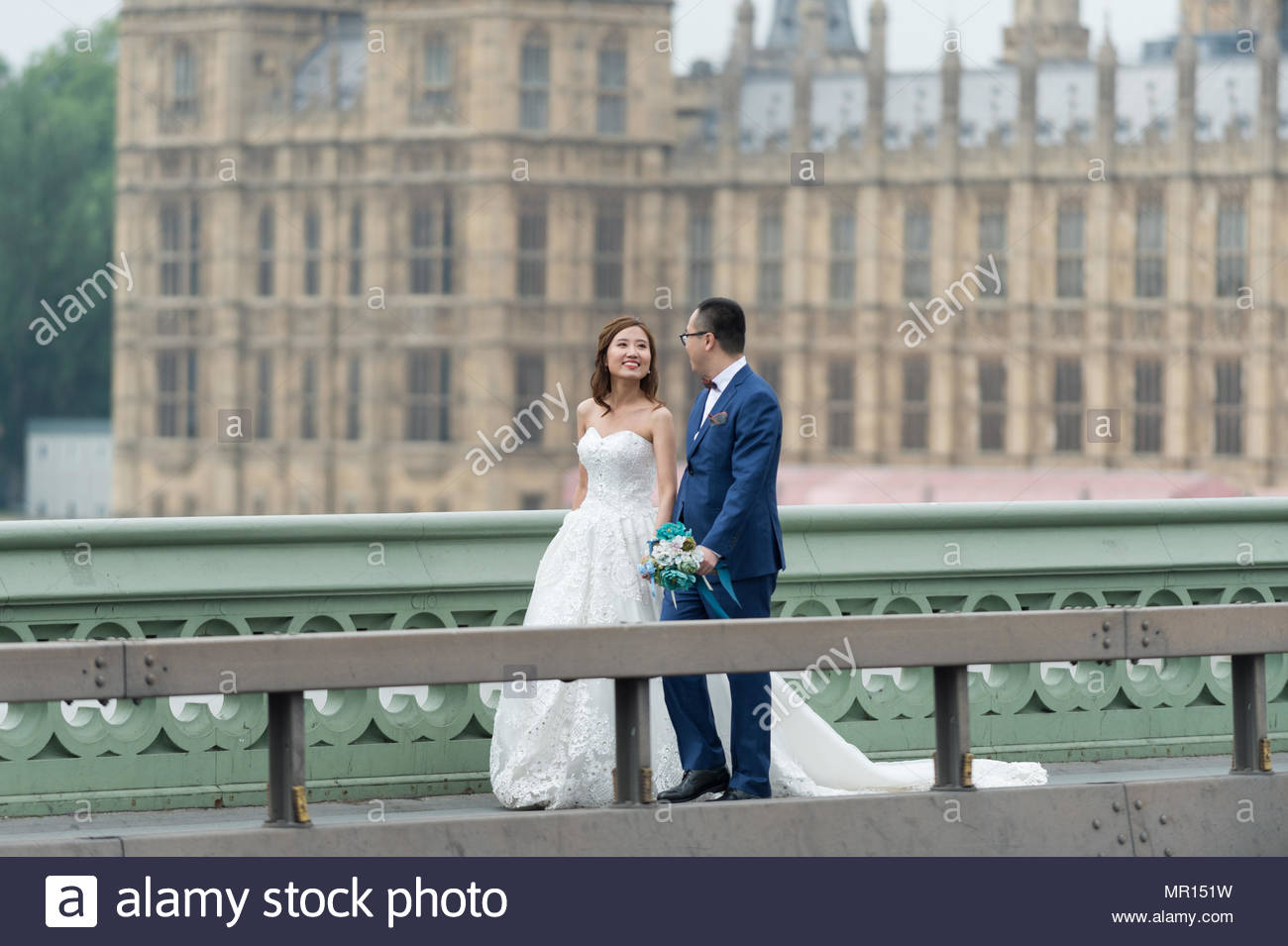 London, UK. 25th May 2018. Asian wedding location photography in Westminster. Credit: Guy Corbishley/Alamy Live News - Stock Image