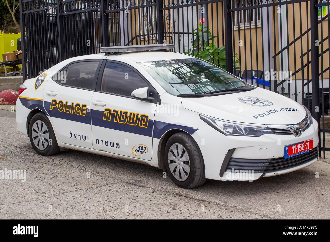 משהו רציני 8 May 2018 A Toyota Corolla car in Police Force with hi visibility AV-16