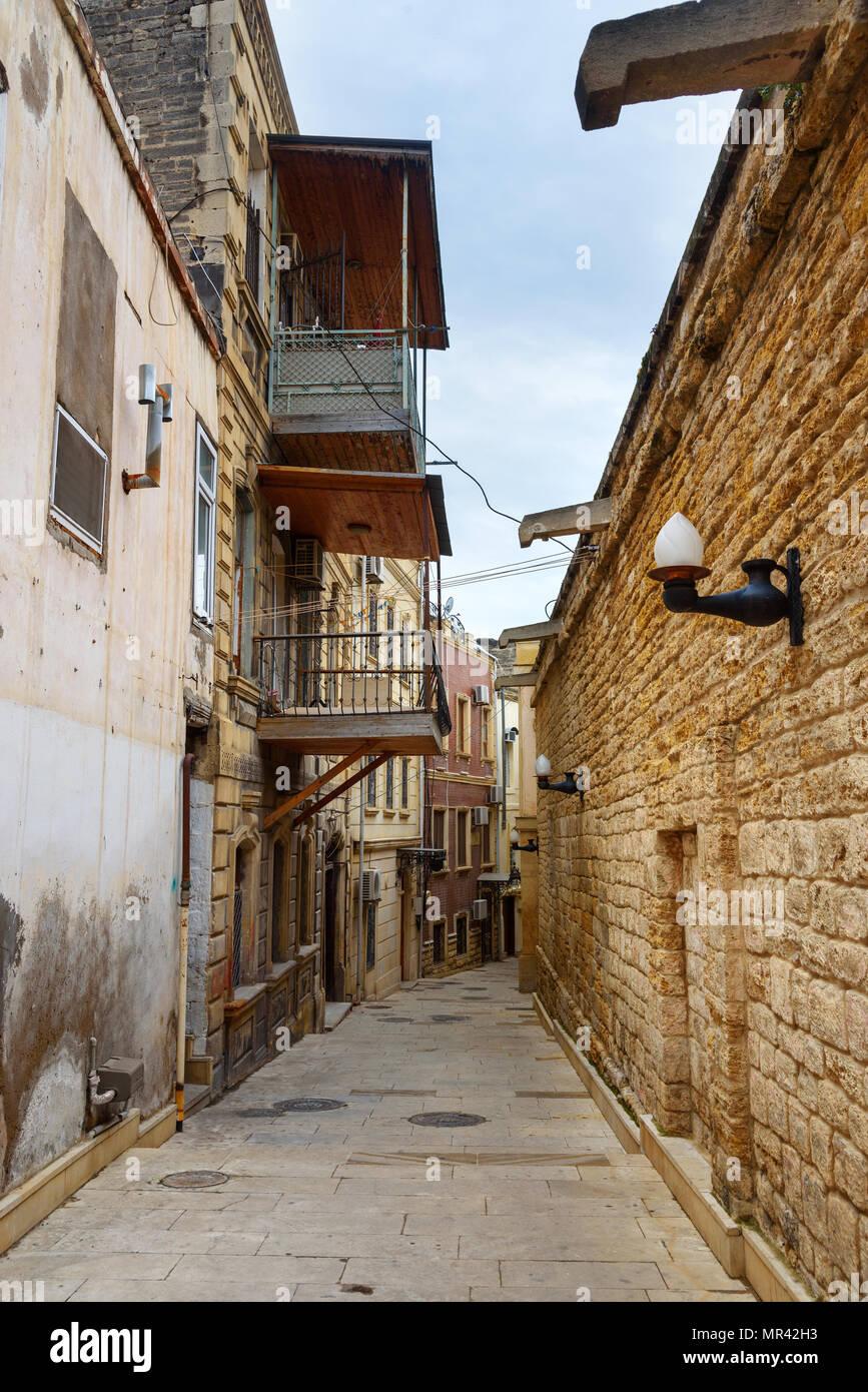 Narrow street in Old city Icheri Sheher in Baku. Azerbaijan - Stock Image