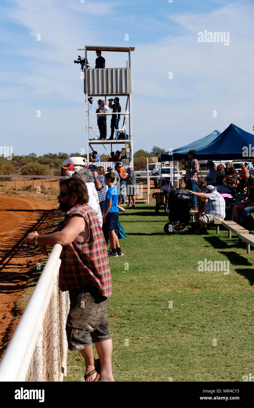 People trackside at the Mount Magnet horse race course, Mt Magnet, Eastern Goldfields, Western Australia - Stock Image