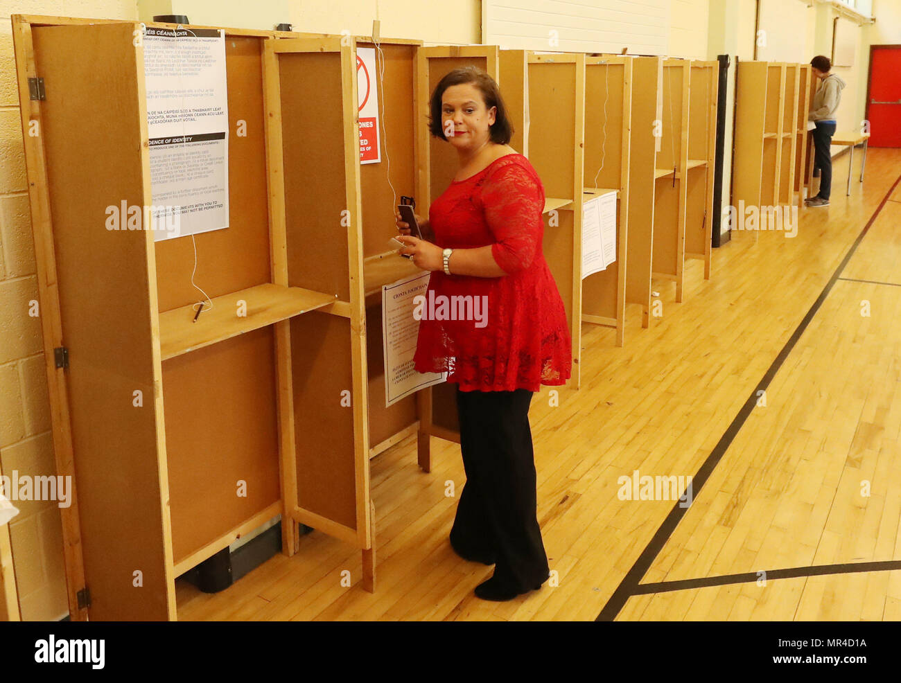 Sinn Fein Leader Mary Lou McDonald casts her vote at St Joseph's School, Dublin, as the country goes to the polls to vote in the referendum on the 8th Amendment of the Irish Constitution. - Stock Image