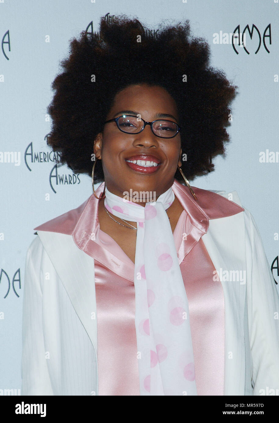 Macy Gray presenting the nominees at the American Music Awards at the Beverly Hills Hotel in Los Angeles. September 16, 2003.GrayMacy_05 Red Carpet Event, Vertical, USA, Film Industry, Celebrities,  Photography, Bestof, Arts Culture and Entertainment, Topix Celebrities fashion /  Vertical, Best of, Event in Hollywood Life - California,  Red Carpet and backstage, USA, Film Industry, Celebrities,  movie celebrities, TV celebrities, Music celebrities, Photography, Bestof, Arts Culture and Entertainment,  Topix, headshot, vertical, one person,, from the year , 2003, inquiry tsuni@Gamma-USA.com - Stock Image