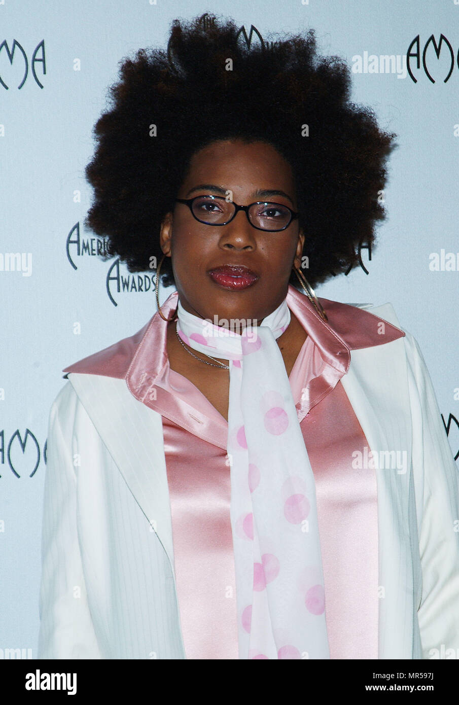 Macy Gray presenting the nominees at the American Music Awards at the Beverly Hills Hotel in Los Angeles. September 16, 2003.GrayMacy_06 Red Carpet Event, Vertical, USA, Film Industry, Celebrities,  Photography, Bestof, Arts Culture and Entertainment, Topix Celebrities fashion /  Vertical, Best of, Event in Hollywood Life - California,  Red Carpet and backstage, USA, Film Industry, Celebrities,  movie celebrities, TV celebrities, Music celebrities, Photography, Bestof, Arts Culture and Entertainment,  Topix, headshot, vertical, one person,, from the year , 2003, inquiry tsuni@Gamma-USA.com - Stock Image