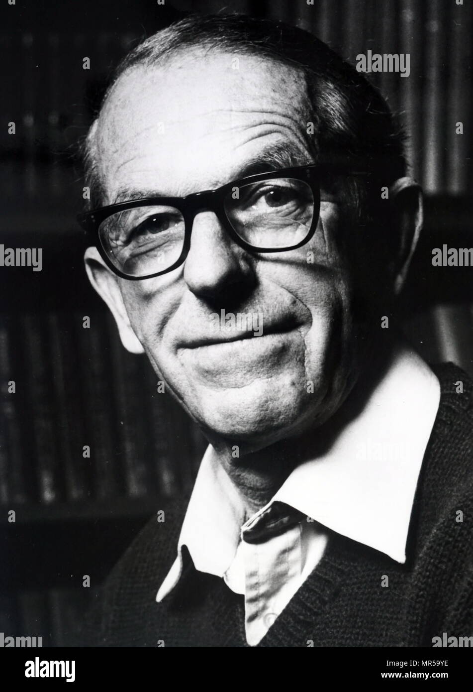 Photograph of Frederick Sanger (1918-2013) a British biochemist and Nobel Prize Laureate in Chemistry. Dated 20th century Stock Photo