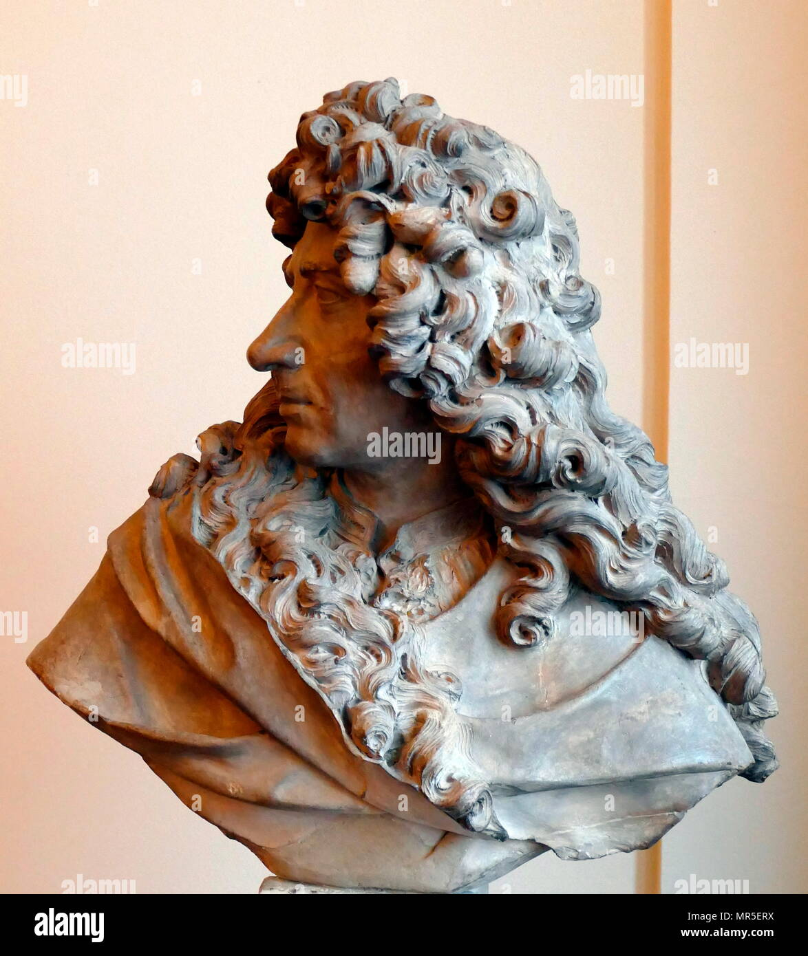 Portrait bust of Pierre Mignard, by Antoine Coysevox circa 1790. Pierre Mignard or Pierre Mignard I (17 November 1612 – 30 May 1695), called 'Mignard le Romain' to distinguish him from his brother Nicolas Mignard, was a French painter known for his religious and mythological scenes and portraits - Stock Image