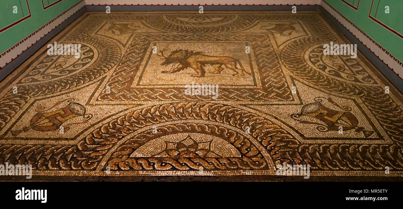 Roman British Mosaic, found at Verulamium, southwest of the modern city of St Albans in Hertfordshire, Great Britain. The Roman settlement was granted the rank of municipium around AD 50. Verulamium contained a forum, basilica and a theatre - Stock Image
