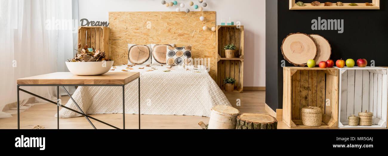 DIY bedroom decorations- wooden crates in inspiring bedroom ...