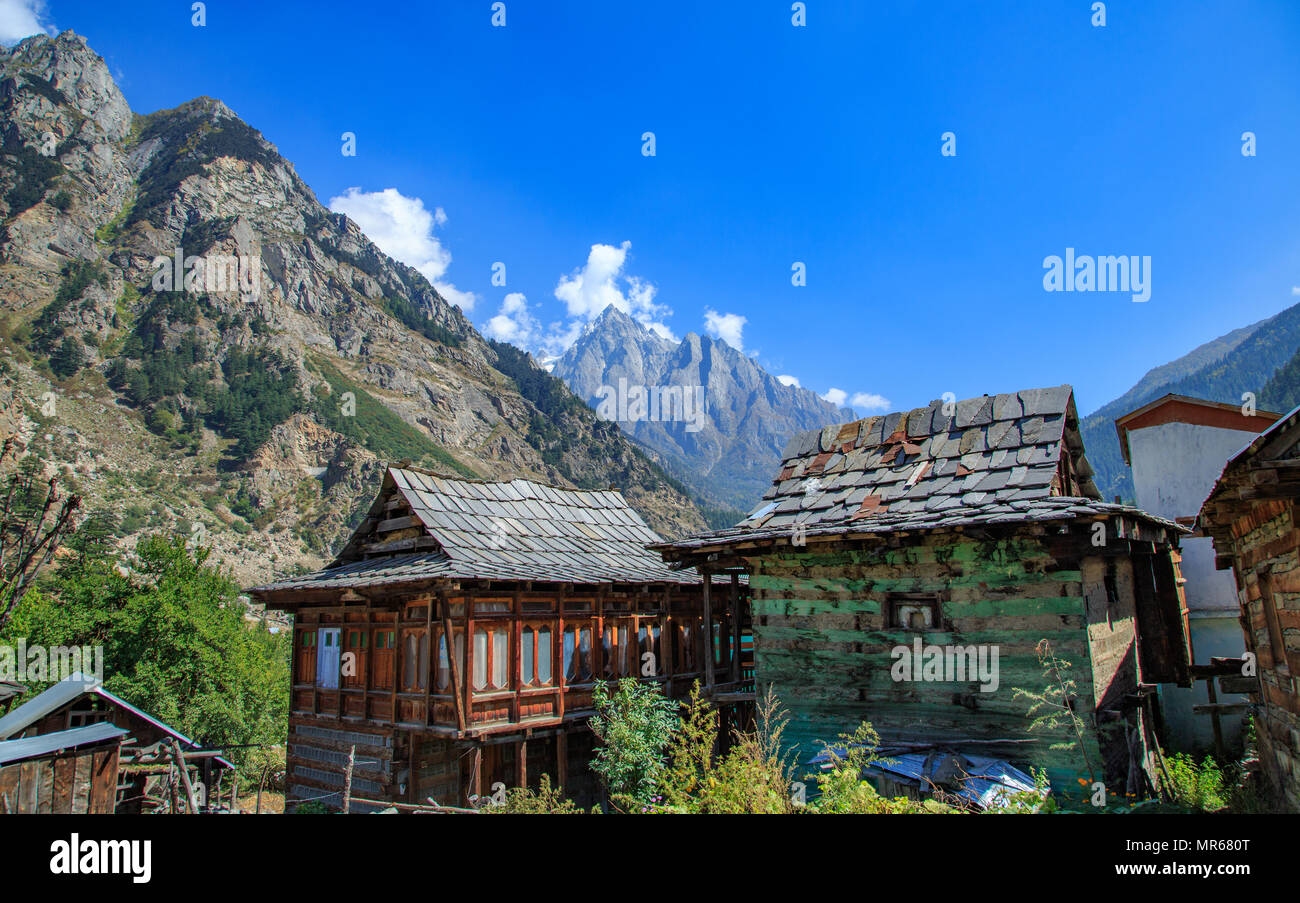 Traditional Houses with Stone Roof - at Batseri village in Sangla Valley (Himachal Pradesh) - Stock Image