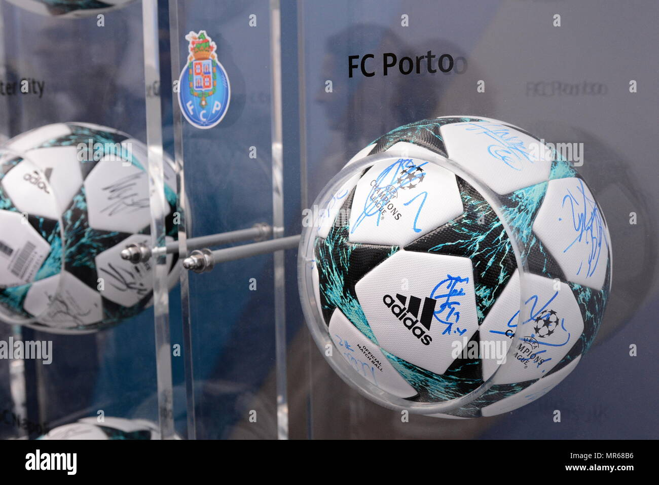 uefa champions league live tables all the probabilities for the last 16 draw of the champions league achterbeeld